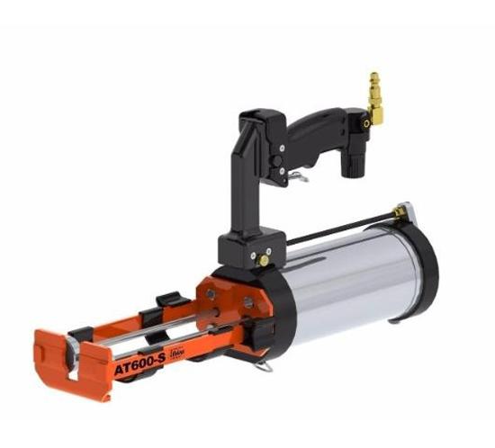 Pistolet-wyciskacz-pneumatyczny-żywice polimocznikowe-